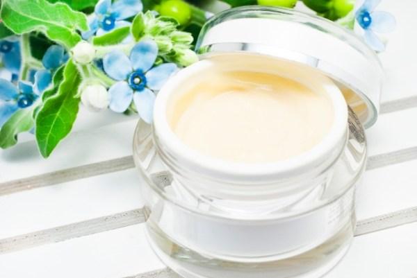お顔全体の美白・くすみ対策なら美白クリームがおすすめ